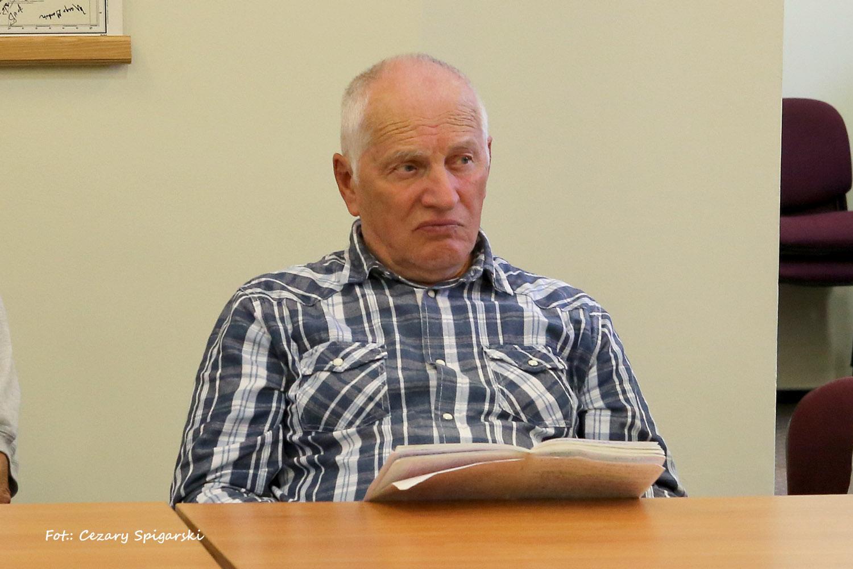 Aleksander Juniewicz w roku 1963 i obok 52 lata później - tu 3 września 2015 roku podczas spotkania z rocznikiem kapitanów 1963/64 w Sznurkach