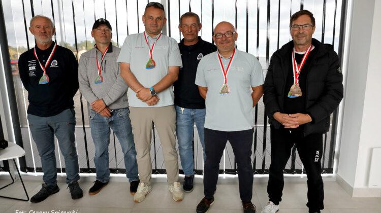 Od lewej: Srebro - Mariusz Sarnowski i Michał Śliwa, Złoto - Andrzej Różycki i Marcin Dejewski (w środku Paweł Wilkowski), Brąz - Andrzej Zieliński